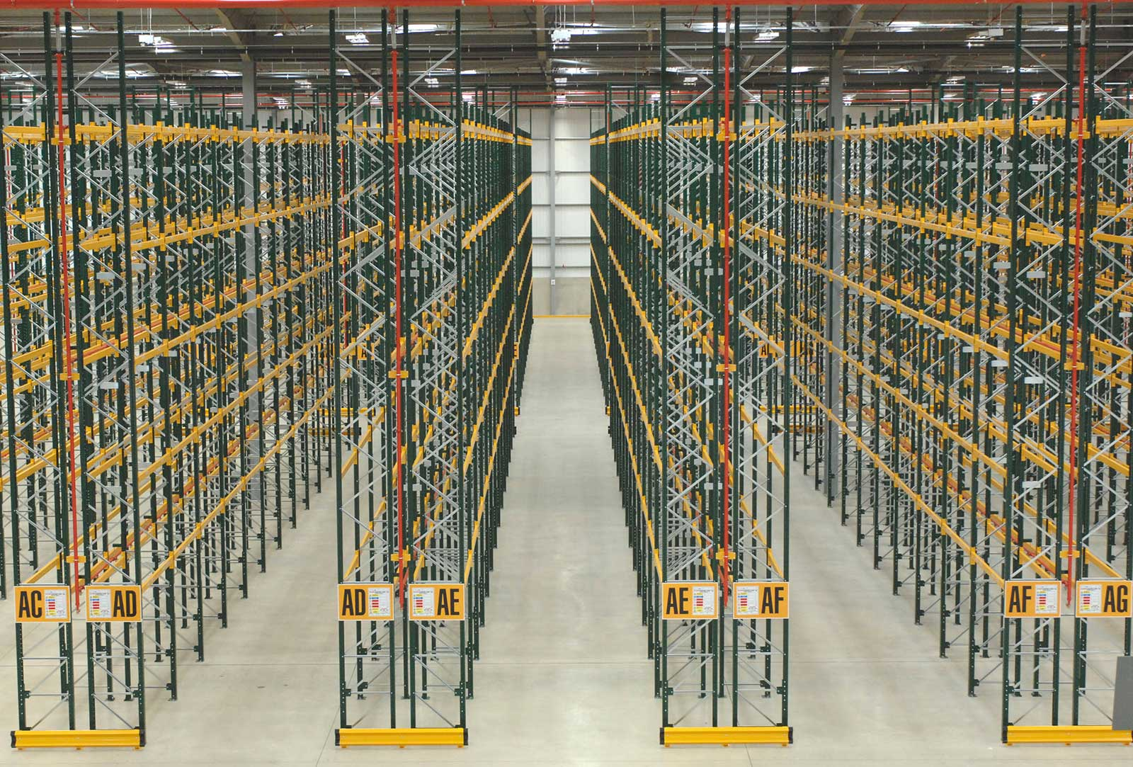 Wide Aisle Racking